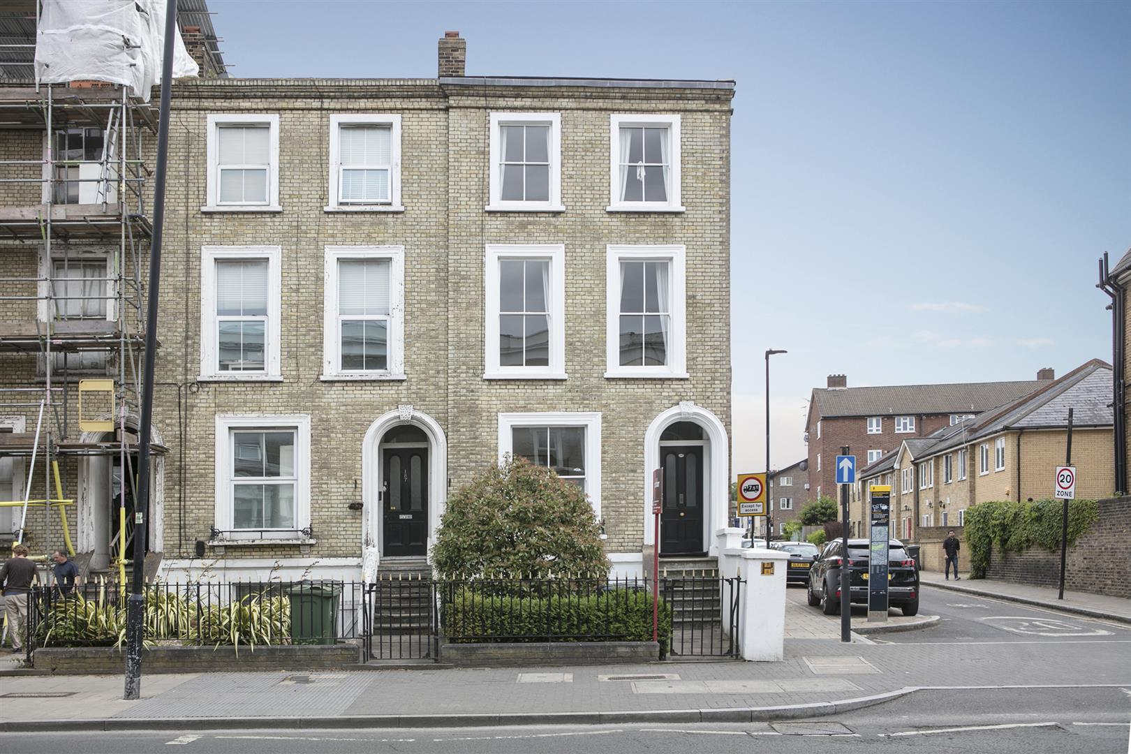 Flat - Conversion Sold in Coldharbour Lane, Camberwell, SE5 614 view1