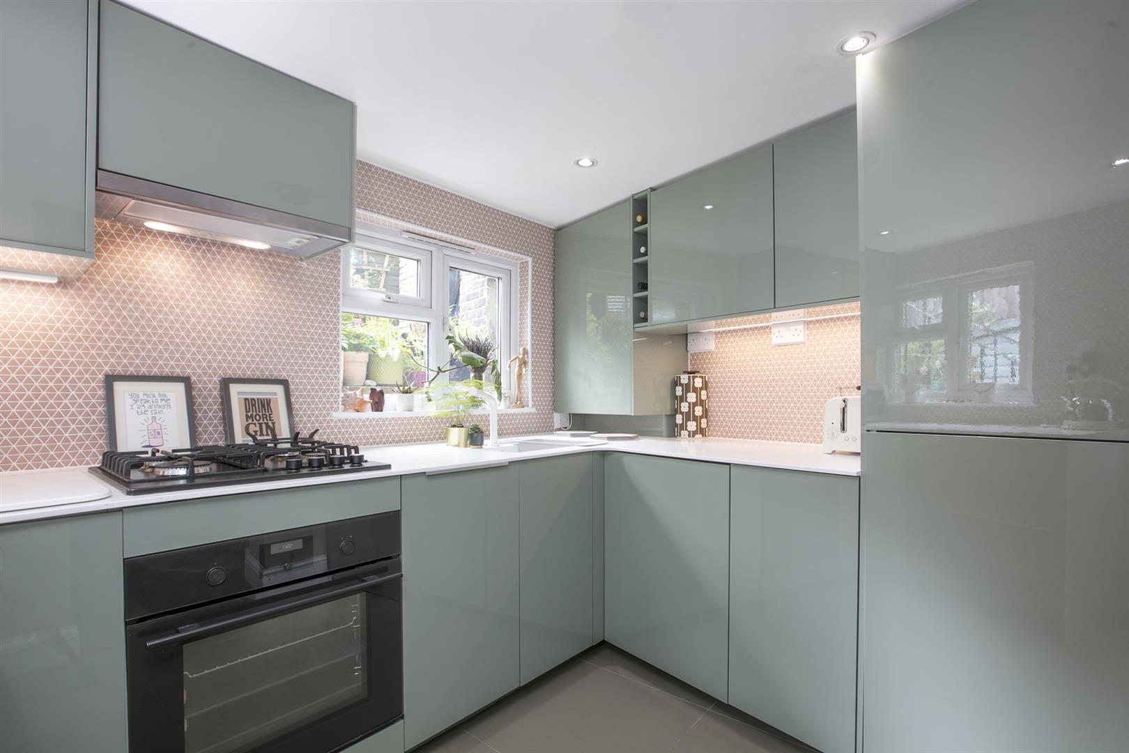 Flat - Conversion Sold in Coldharbour Lane, Camberwell, SE5 614 view5