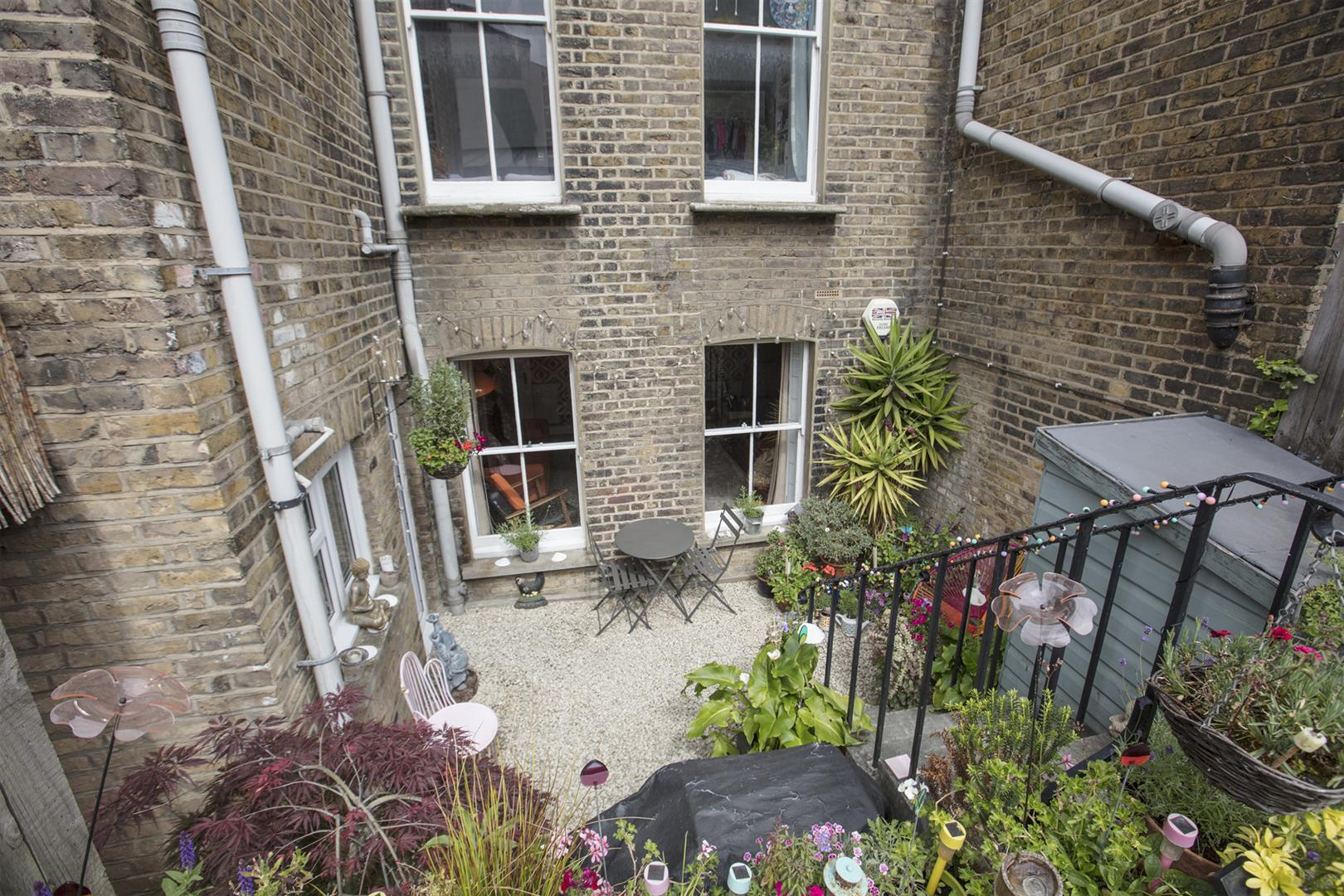 Flat - Conversion Sold in Coldharbour Lane, Camberwell, SE5 614 view4