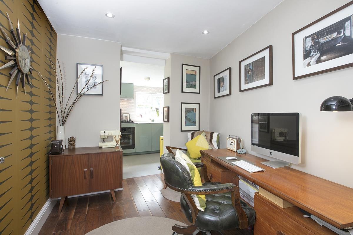Flat - Conversion Sold in Coldharbour Lane, Camberwell, SE5 614 view3
