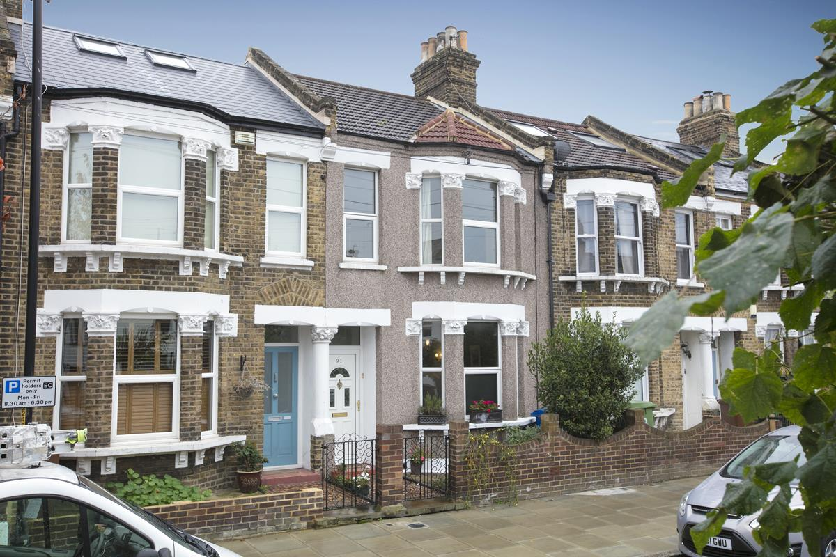 House - Terraced Sale Agreed in Coleman Road, Camberwell, SE5 214 view1