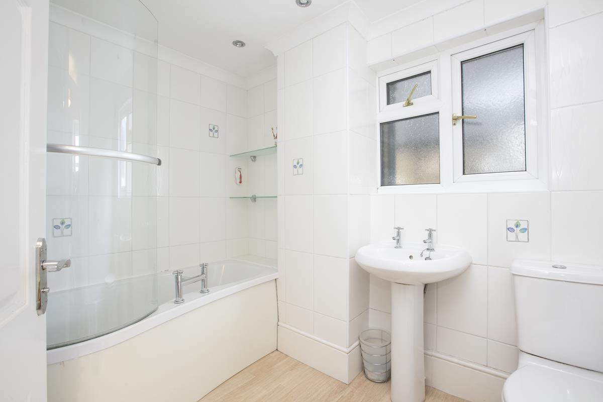House - Terraced Sale Agreed in Coleman Road, Camberwell, SE5 214 view10