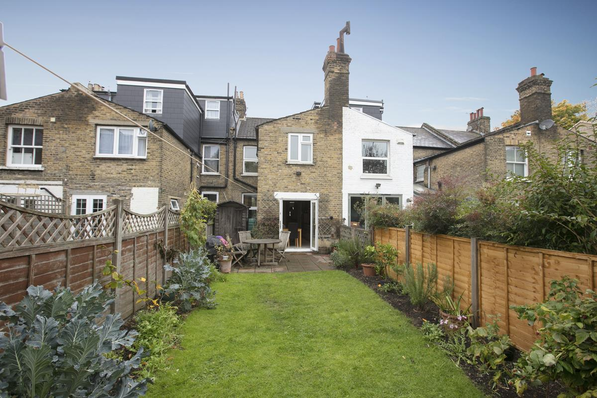 House - Terraced Sale Agreed in Coleman Road, Camberwell, SE5 214 view6