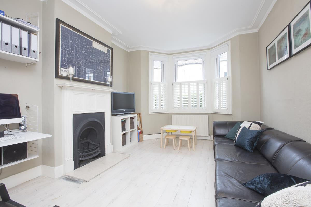 House - Terraced Sale Agreed in Coleman Road, Camberwell, SE5 424 view2