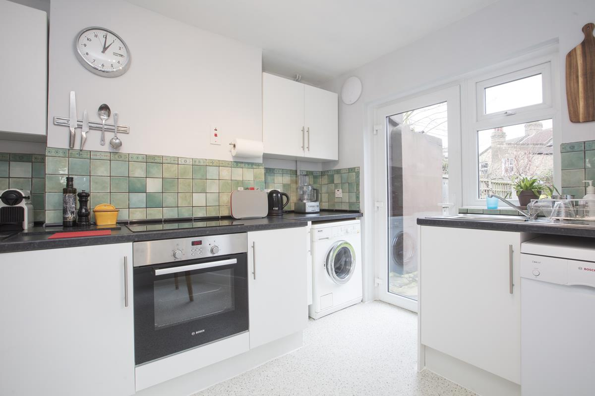 House - Terraced Sale Agreed in Coleman Road, Camberwell, SE5 424 view9