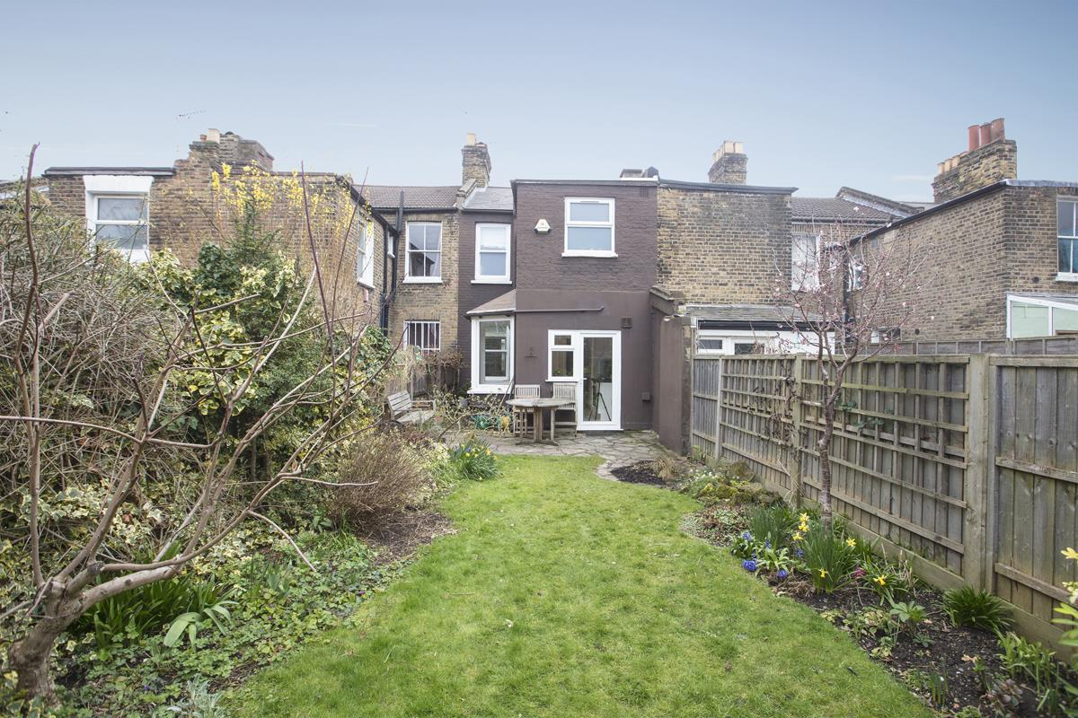 House - Terraced Sale Agreed in Coleman Road, Camberwell, SE5 424 view16