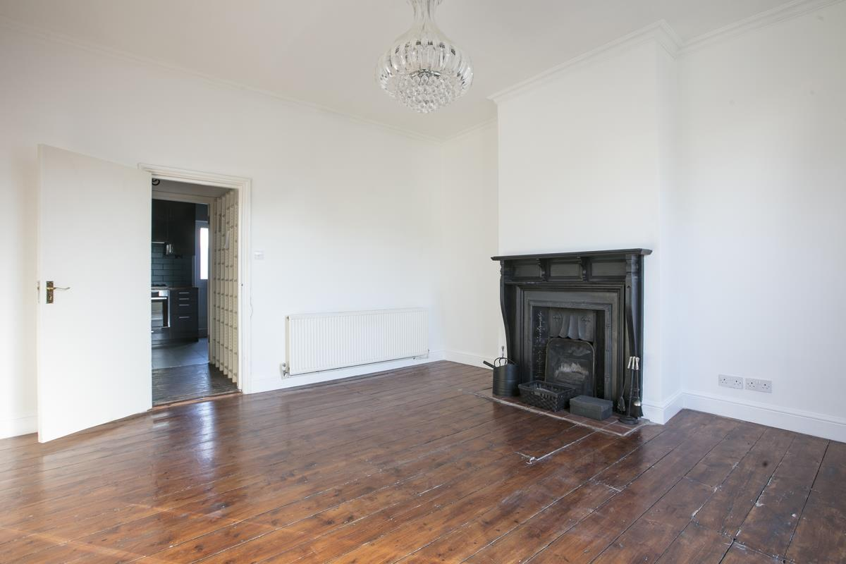 Flat - Conversion Sold in Consort Road, Nunhead, SE15 391 view5
