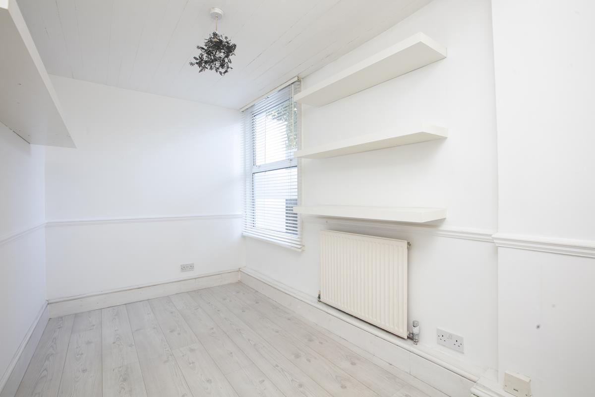 Flat - Conversion Sold in Consort Road, Nunhead, SE15 391 view11