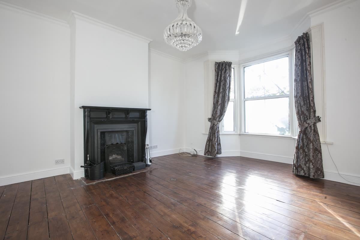 Flat - Conversion Sold in Consort Road, Nunhead, SE15 391 view2