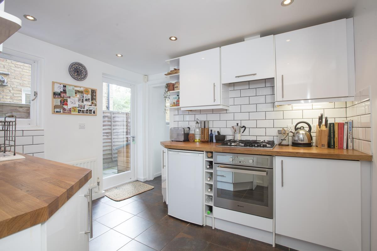Flat - Conversion Sale Agreed in Copleston Road, Peckham, SE15 494 view4