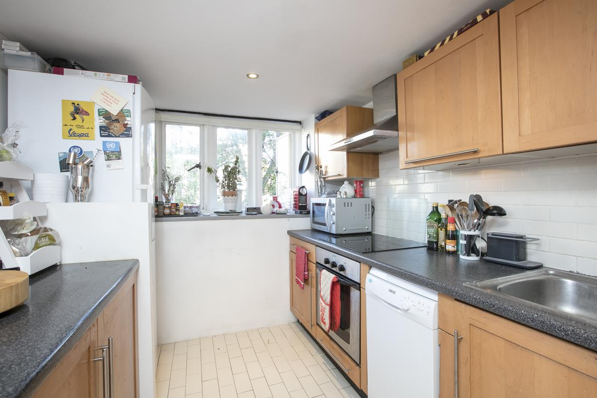 Flat/Apartment Sale Agreed in Cormont Road, Camberwell, SE5 382 view16