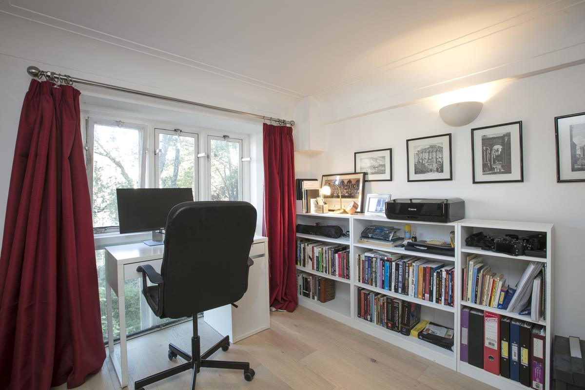 Flat/Apartment Sale Agreed in Cormont Road, Camberwell, SE5 382 view17