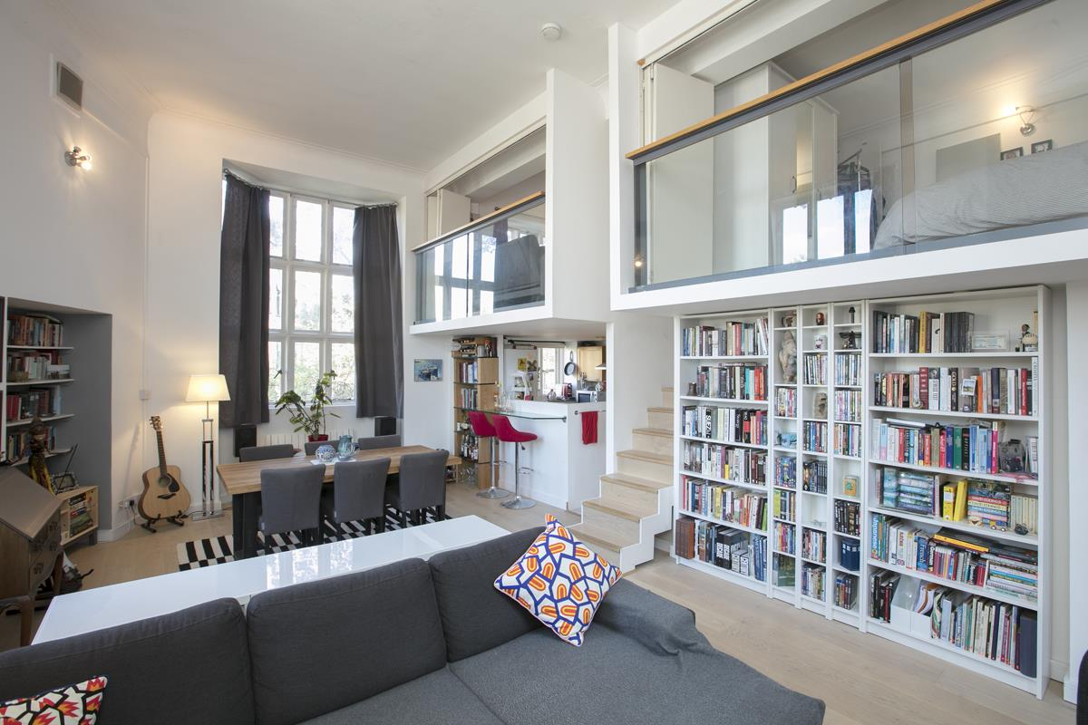 Flat/Apartment For Sale in Cormont Road, Camberwell, SE5 382 view1