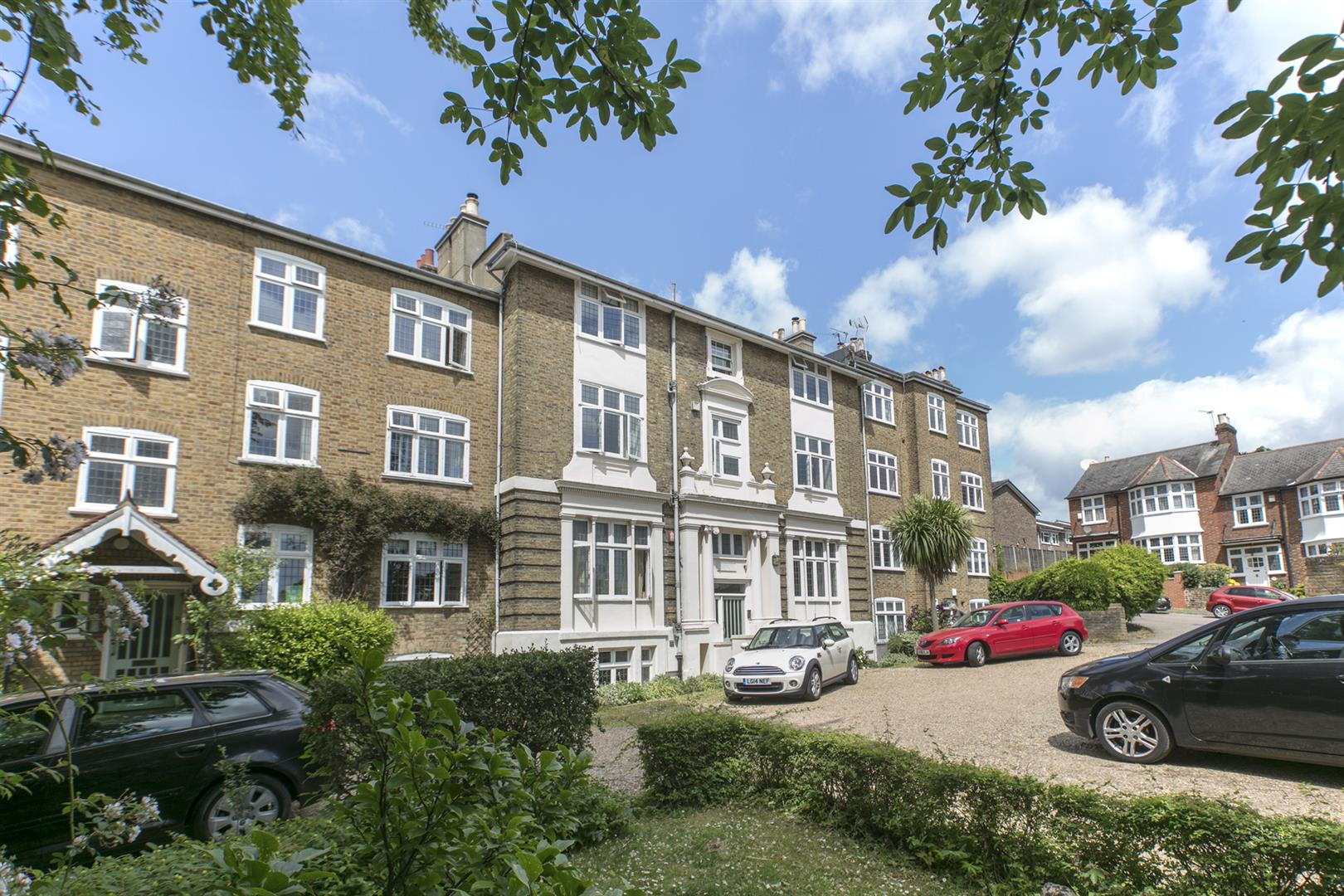 Flat - Purpose Built Sold in Courtside, Dartmouth Road, Sydenham, SE26 623 view1