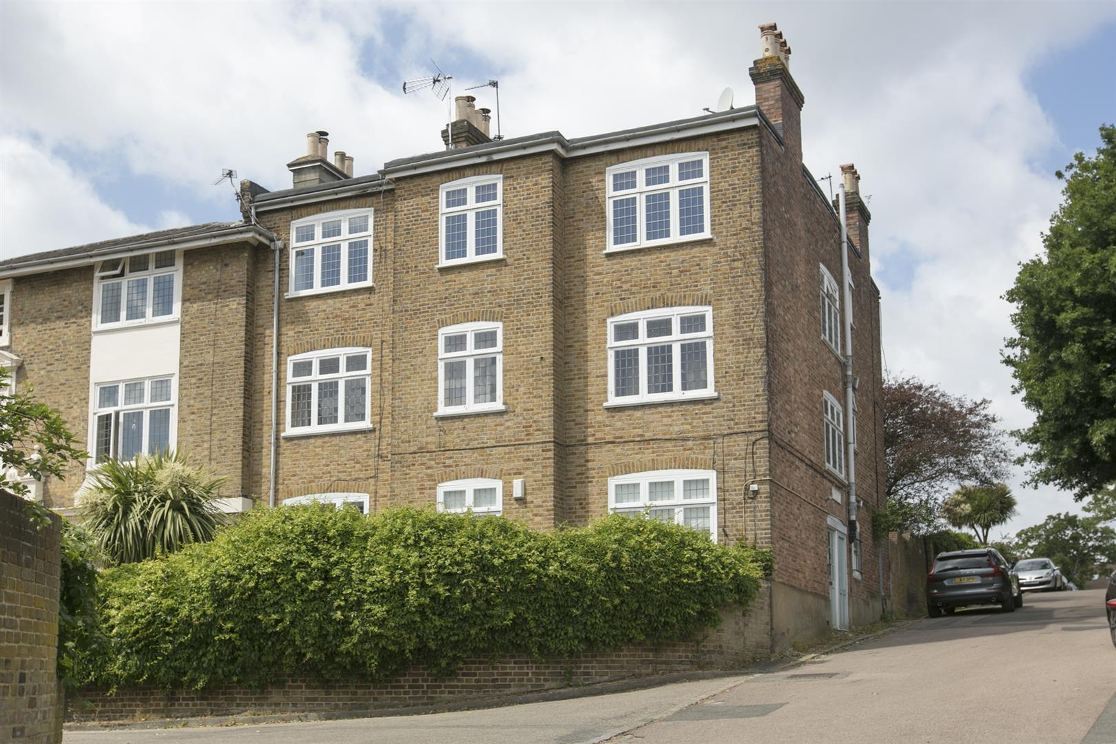 Flat - Purpose Built Sold in Courtside, Dartmouth Road, Sydenham, SE26 623 view13
