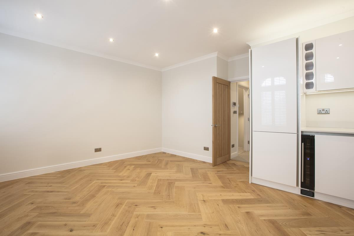 Flat/Apartment For Sale in Crofton Road, Camberwell, SE5 430 view12