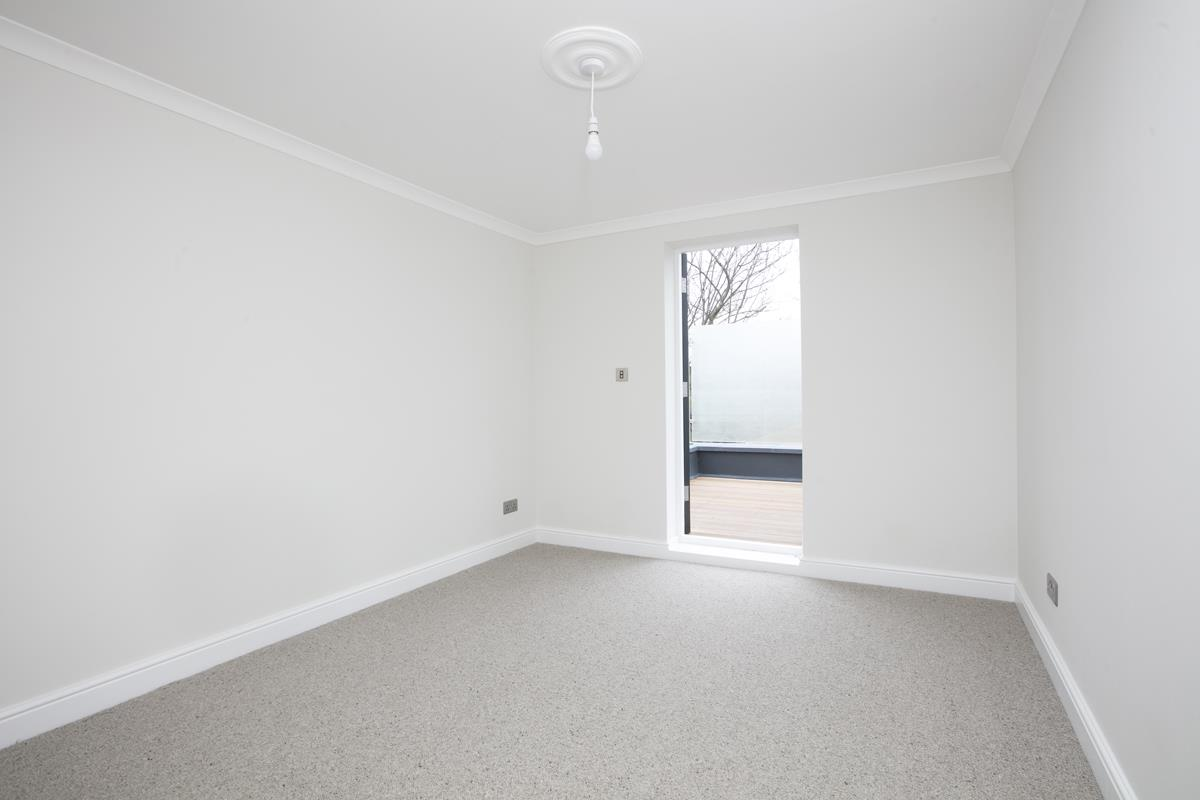 Flat/Apartment For Sale in Crofton Road, Camberwell, SE5 430 view15