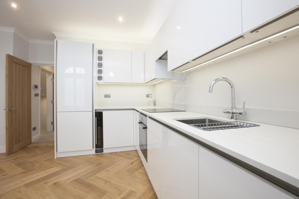 Flat/Apartment For Sale in Crofton Road, Camberwell, SE5 430 view5