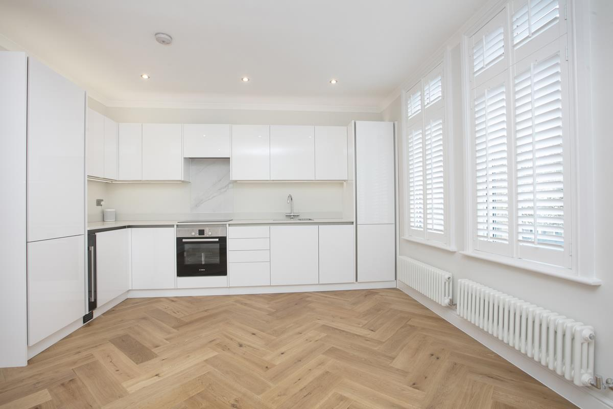 Flat/Apartment For Sale in Crofton Road, Camberwell, SE5 430 view4