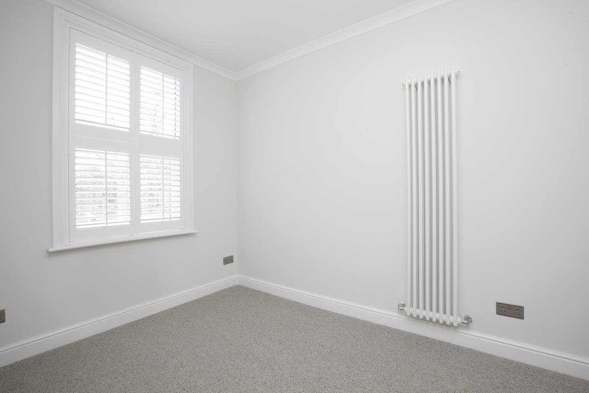Flat/Apartment For Sale in Crofton Road, Camberwell, SE5 430 view14