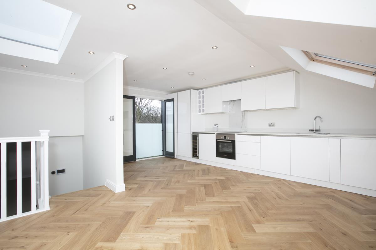 Flat/Apartment Sale Agreed in Crofton Road, Camberwell, SE5 431 view4