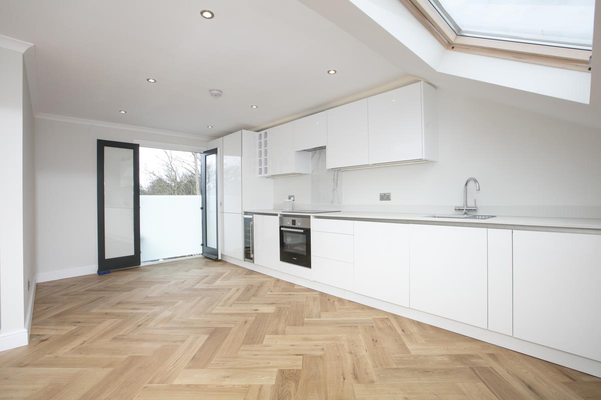 Flat/Apartment Sale Agreed in Crofton Road, Camberwell, SE5 431 view1