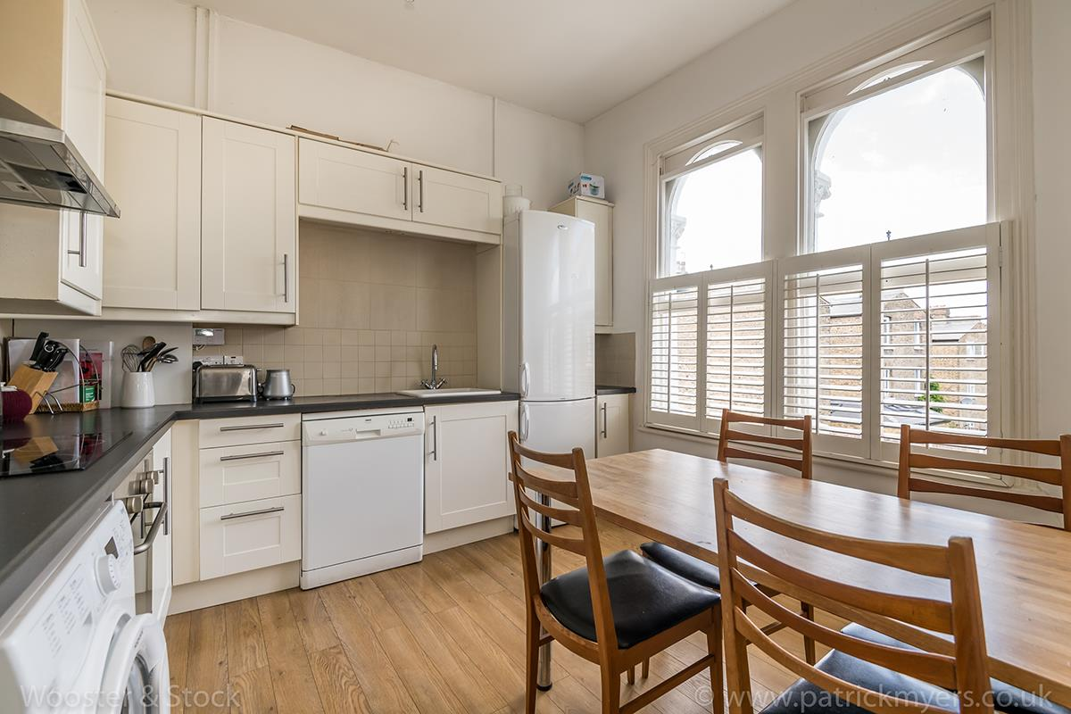 Flat/Apartment For Sale in Crofton Road, Camberwell, SE5 466 view2
