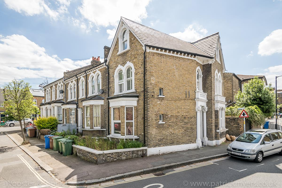 Flat/Apartment For Sale in Crofton Road, Camberwell, SE5 466 view1