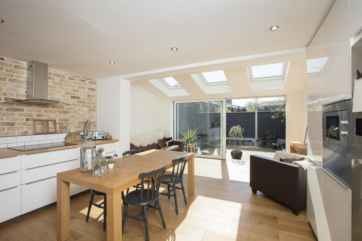 House - End Terrace Sold in Cromwell Road, Myatts Field SW9 316 view2