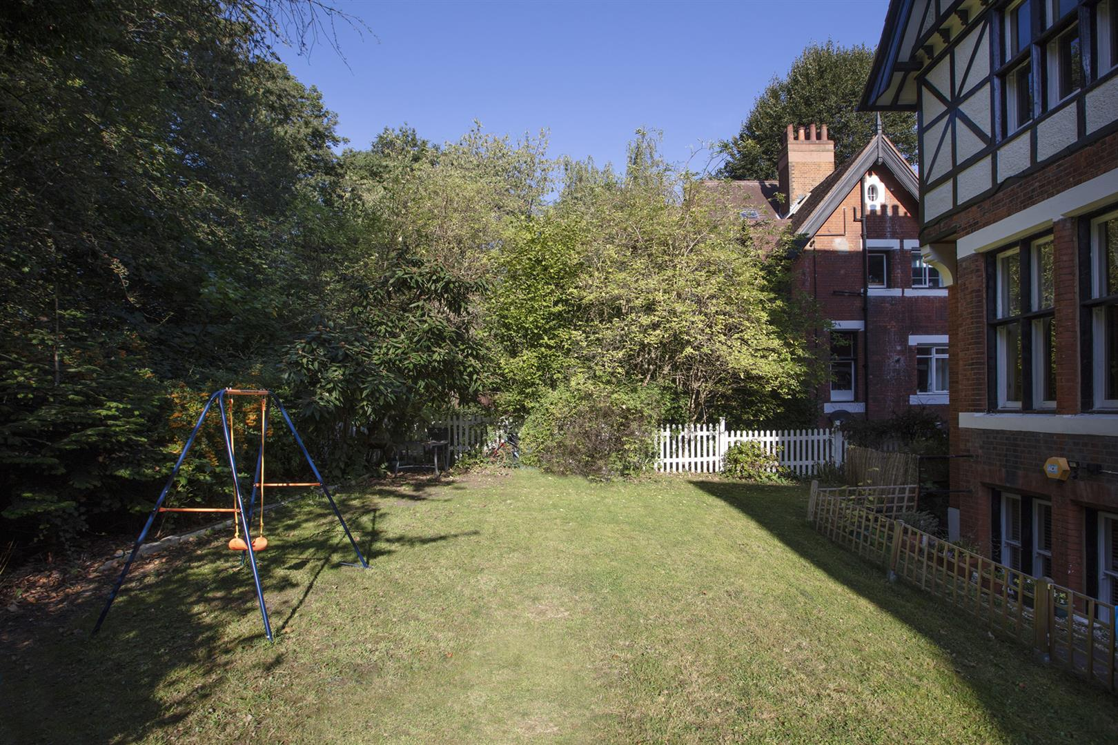 Flat - Conversion For Sale in Crystal Palace Park Road, Sydenham, SE26 698 view5