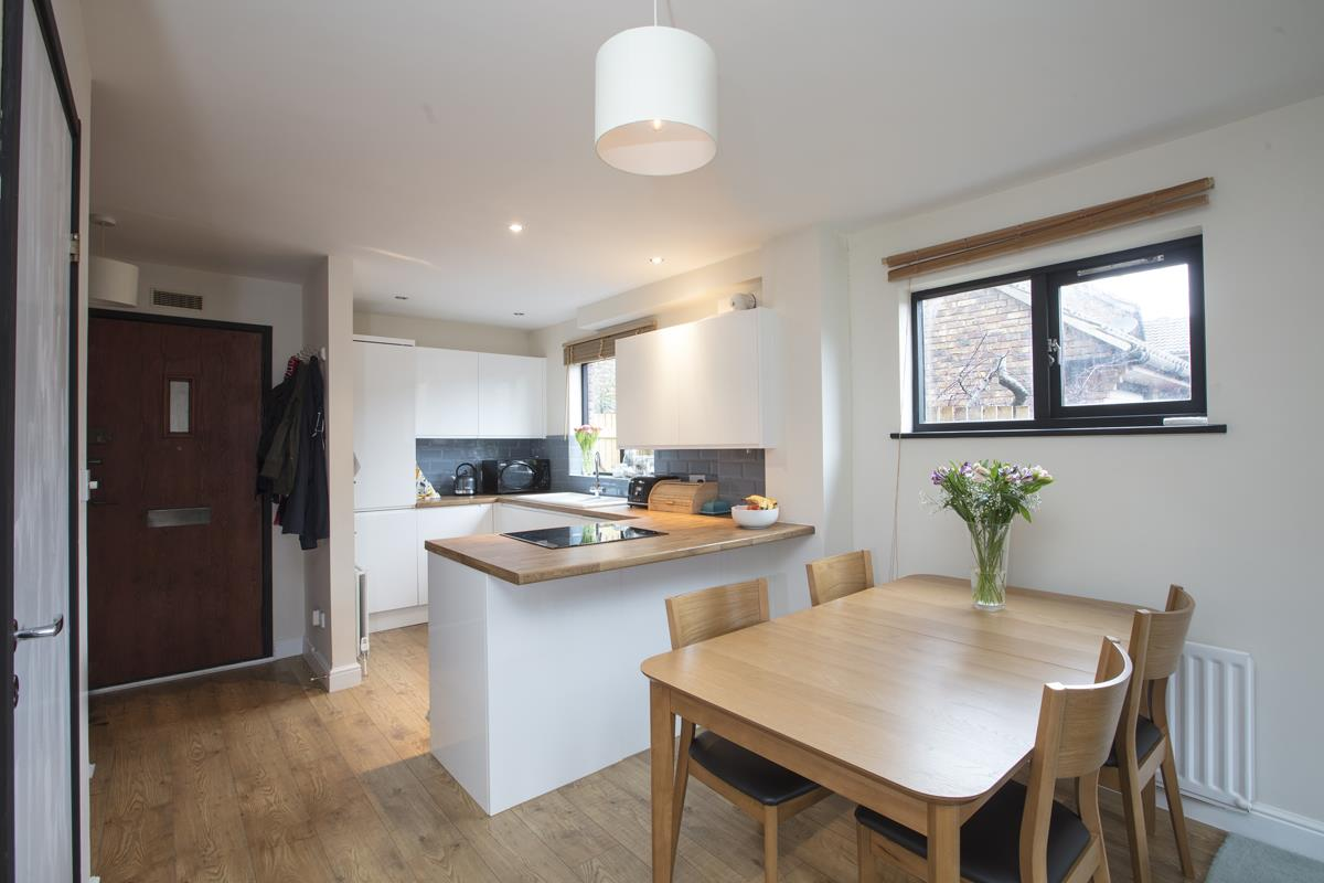 House - Link Detached Sold in Cuthill Walk, Camberwell, SE5 274 view4