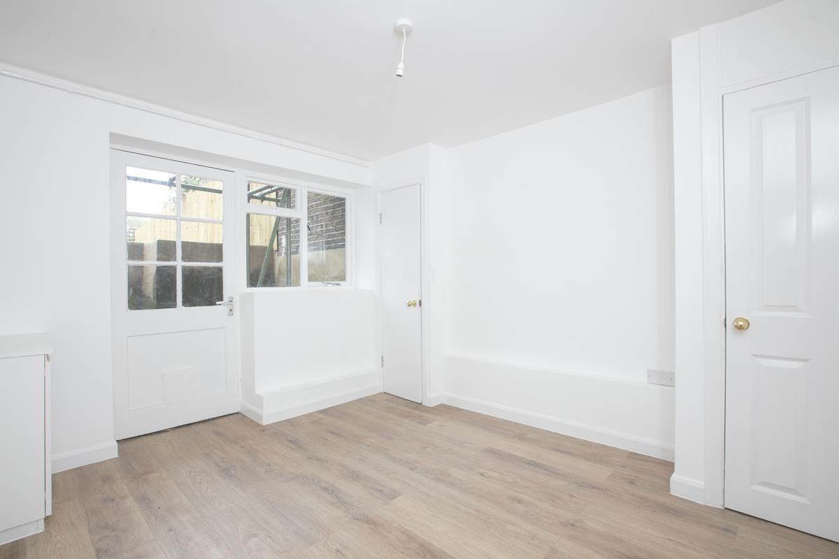 Flat - Conversion For Sale in Dagmar Road, Camberwell, SE5 510 view10