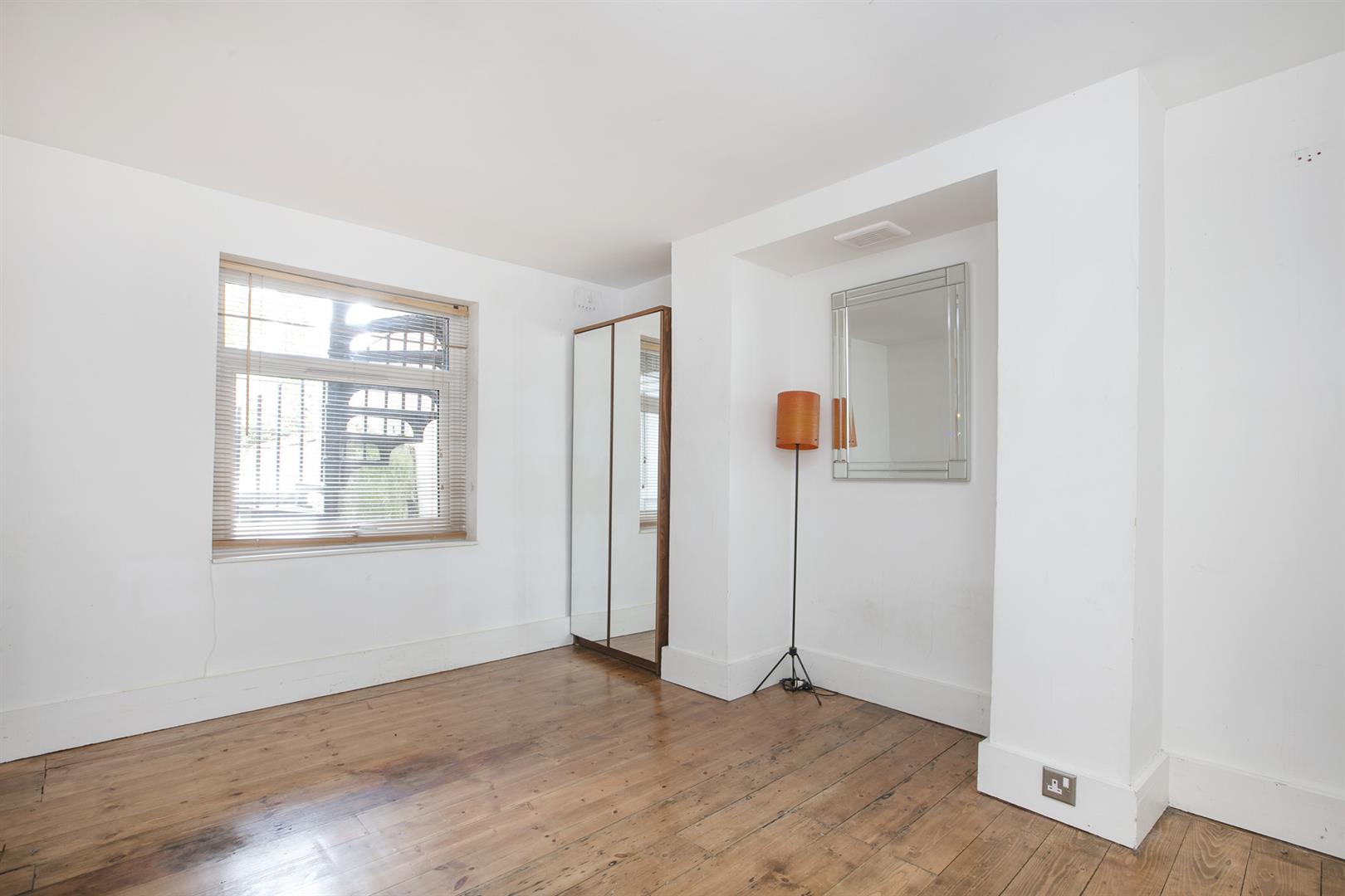 Flat - Conversion For Sale in Dagmar Road, Camberwell, SE5 750 view8