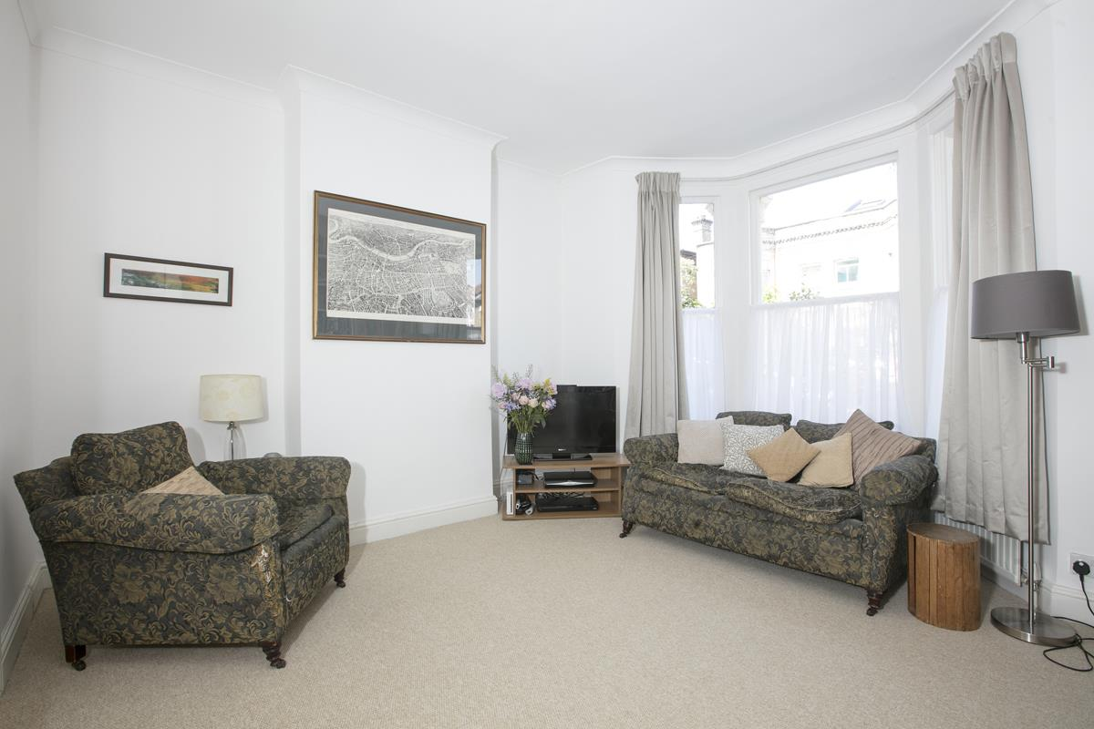 House - Terraced For Sale in Danby Street, Peckham, SE15 195 view2