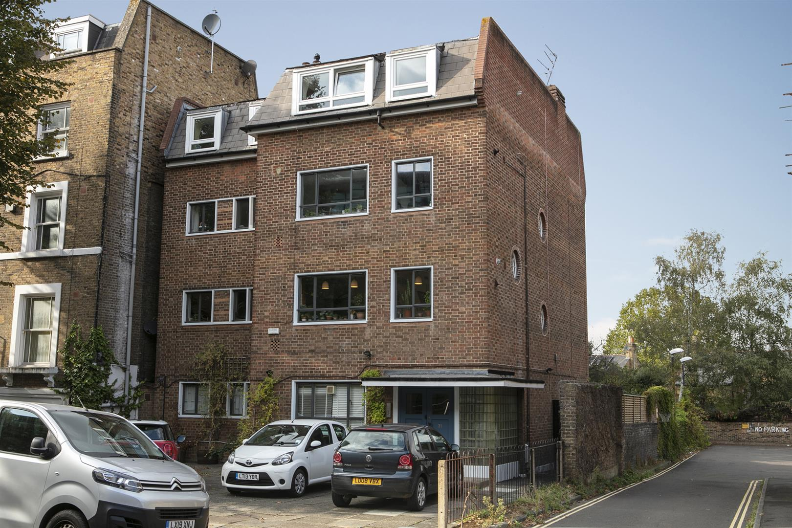 Flat/Apartment Sold in De Crespigny Park, Camberwell, SE5 725 view1