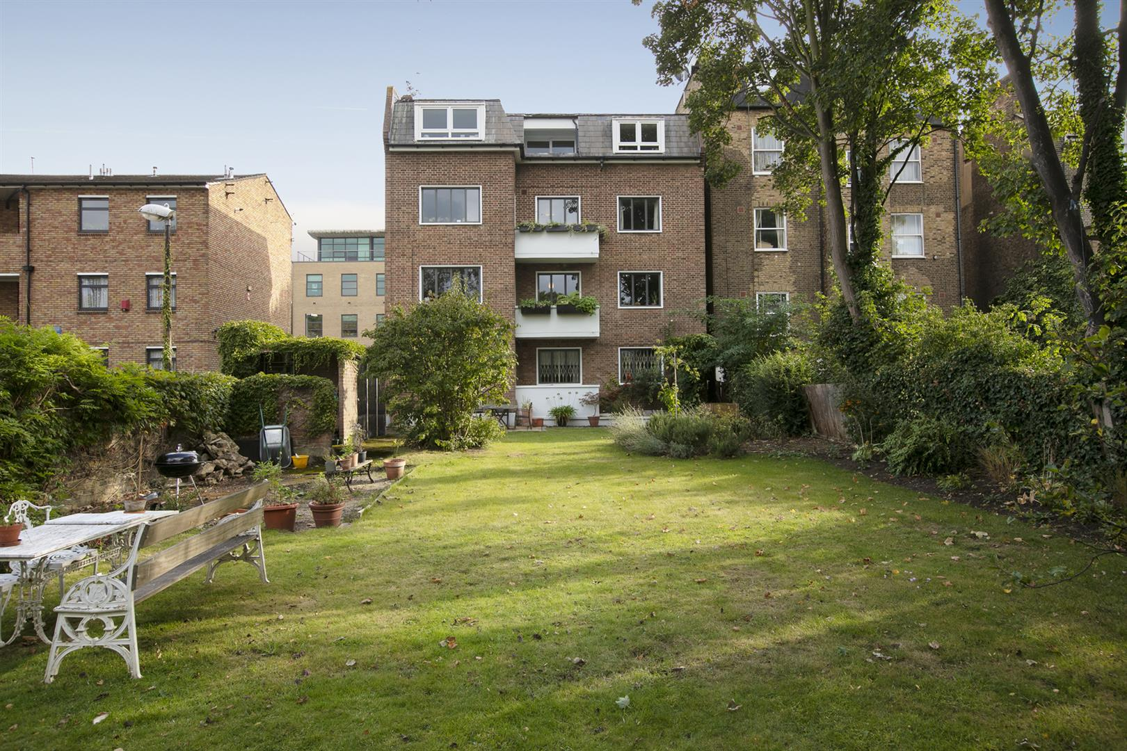 Flat/Apartment Sold in De Crespigny Park, Camberwell, SE5 725 view3