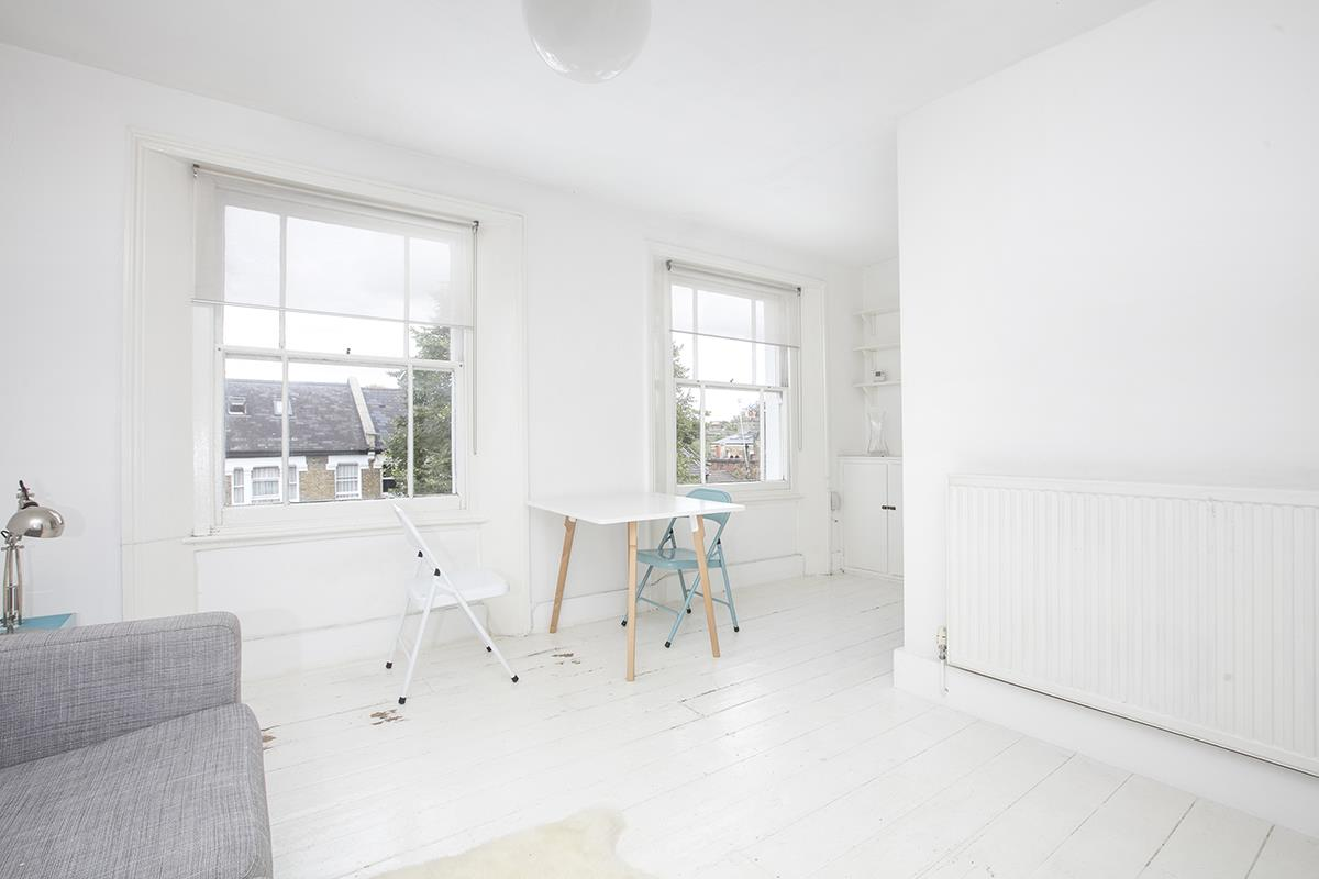 Flat/Apartment Sale Agreed in Denman Road, Peckham SE15 290 view3