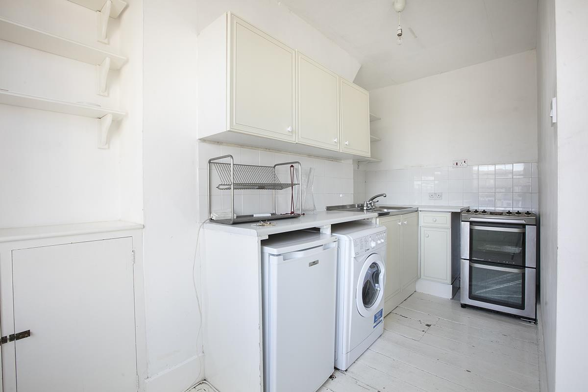 Flat/Apartment Sale Agreed in Denman Road, Peckham SE15 290 view4