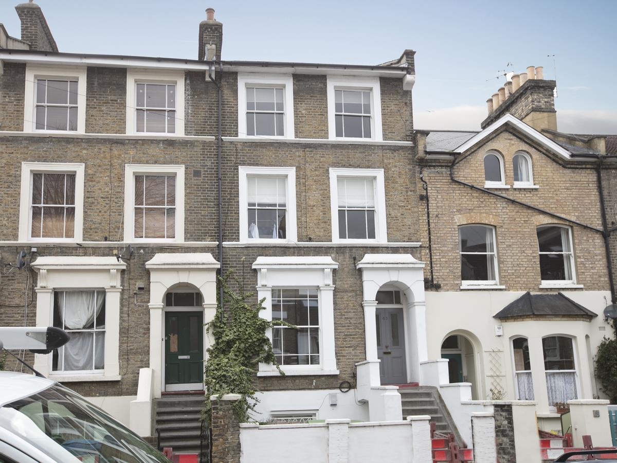 Flat/Apartment Sale Agreed in Denman Road, Peckham SE15 290 view1