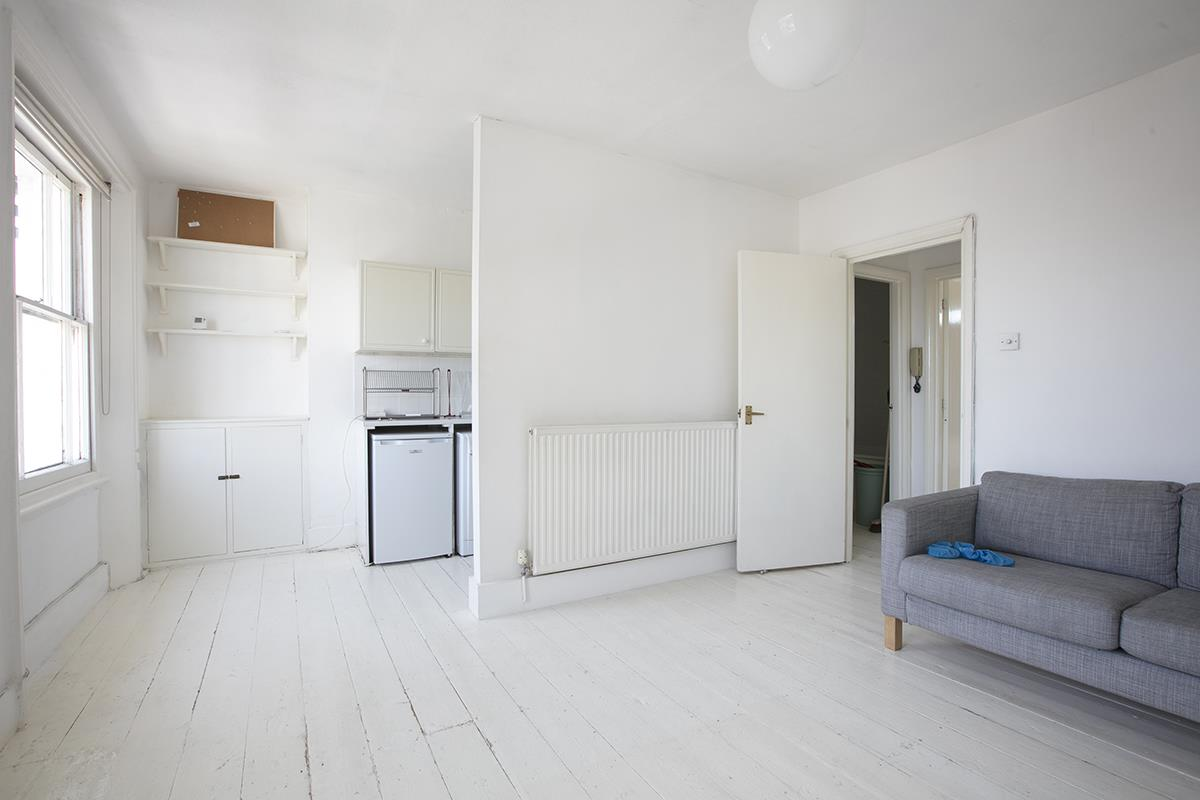Flat/Apartment Sale Agreed in Denman Road, Peckham SE15 290 view7