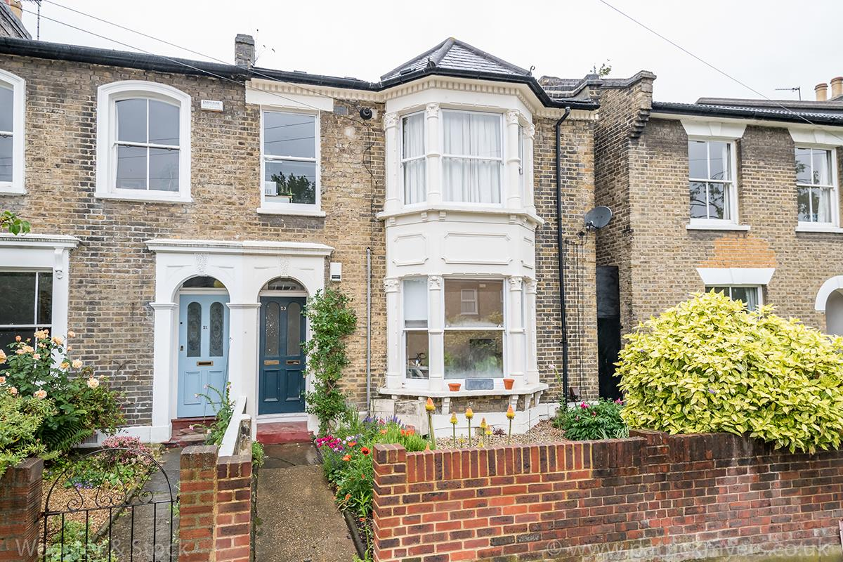 Flat - Conversion Sold in Denman Road, Peckham, SE15 461 view1