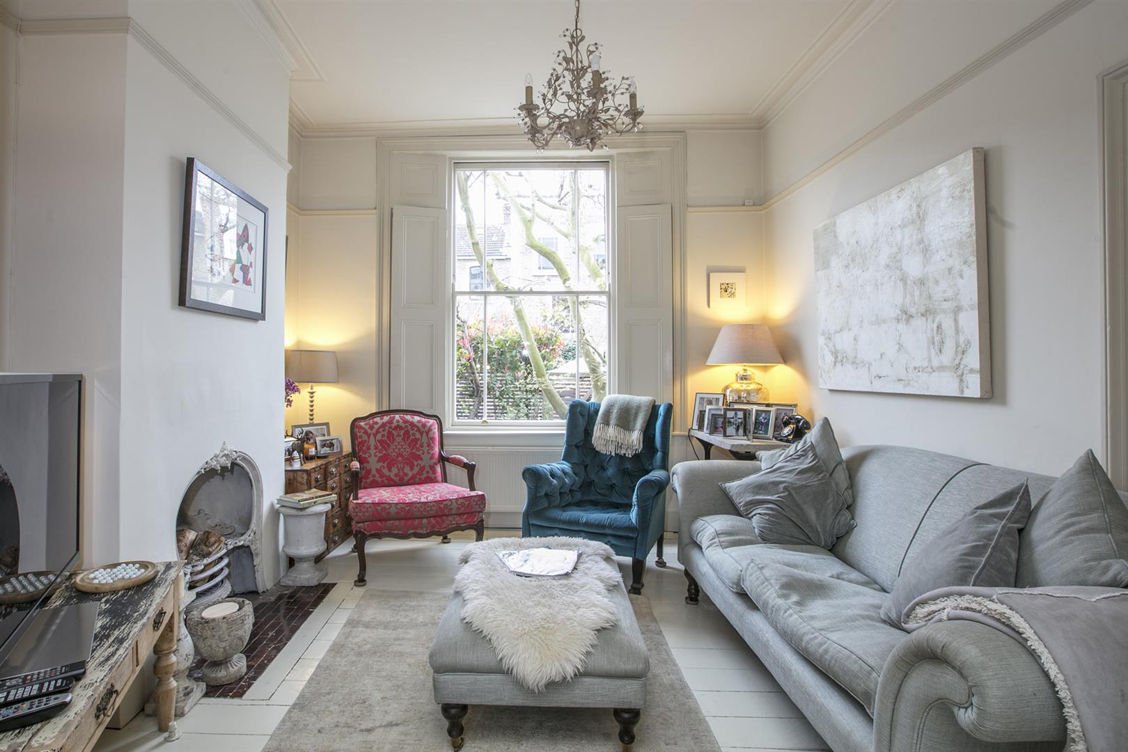 House - Terraced For Sale in Denman Road, Peckham, SE15 630 view2