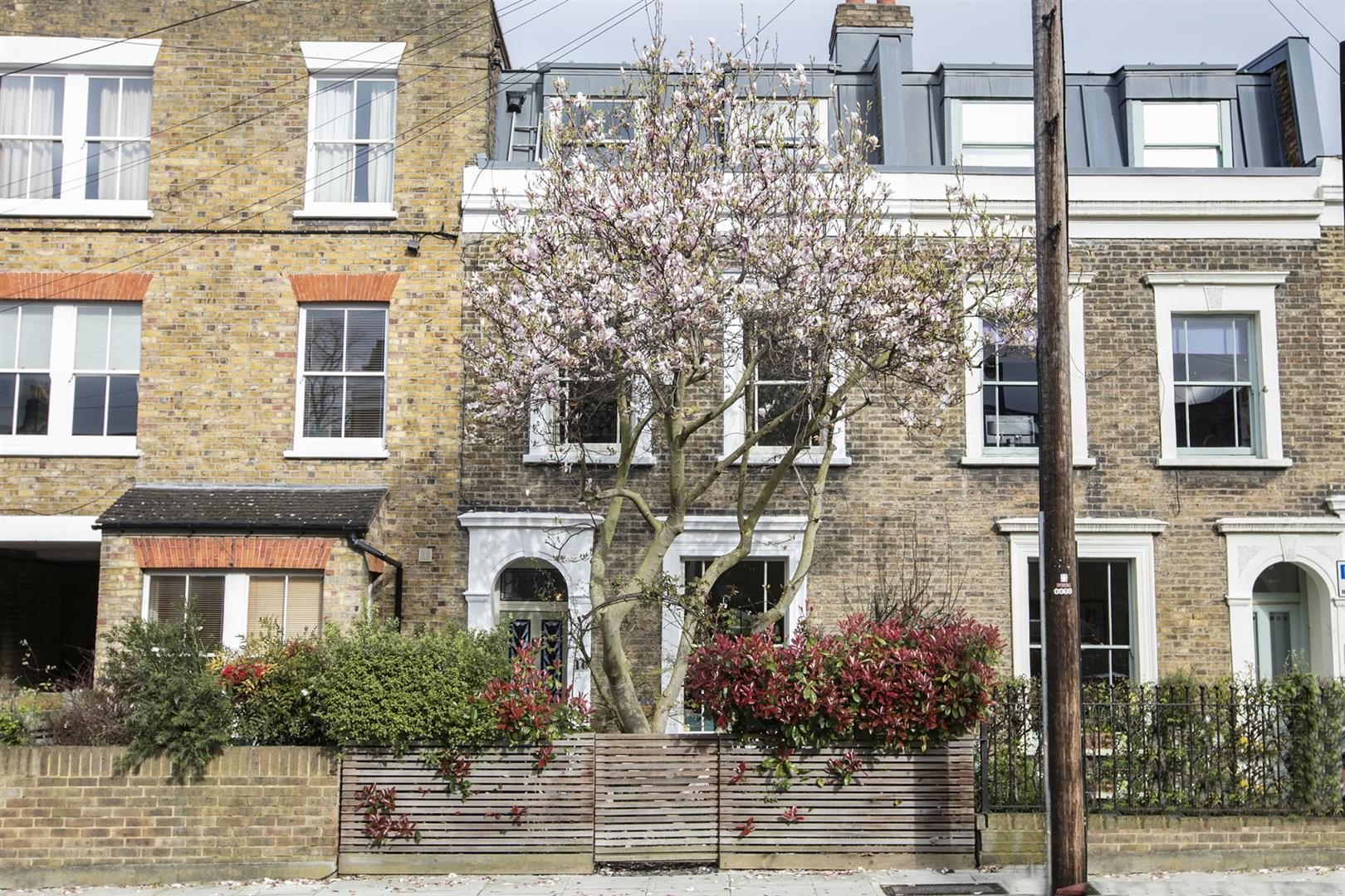 House - Terraced For Sale in Denman Road, Peckham, SE15 630 view4