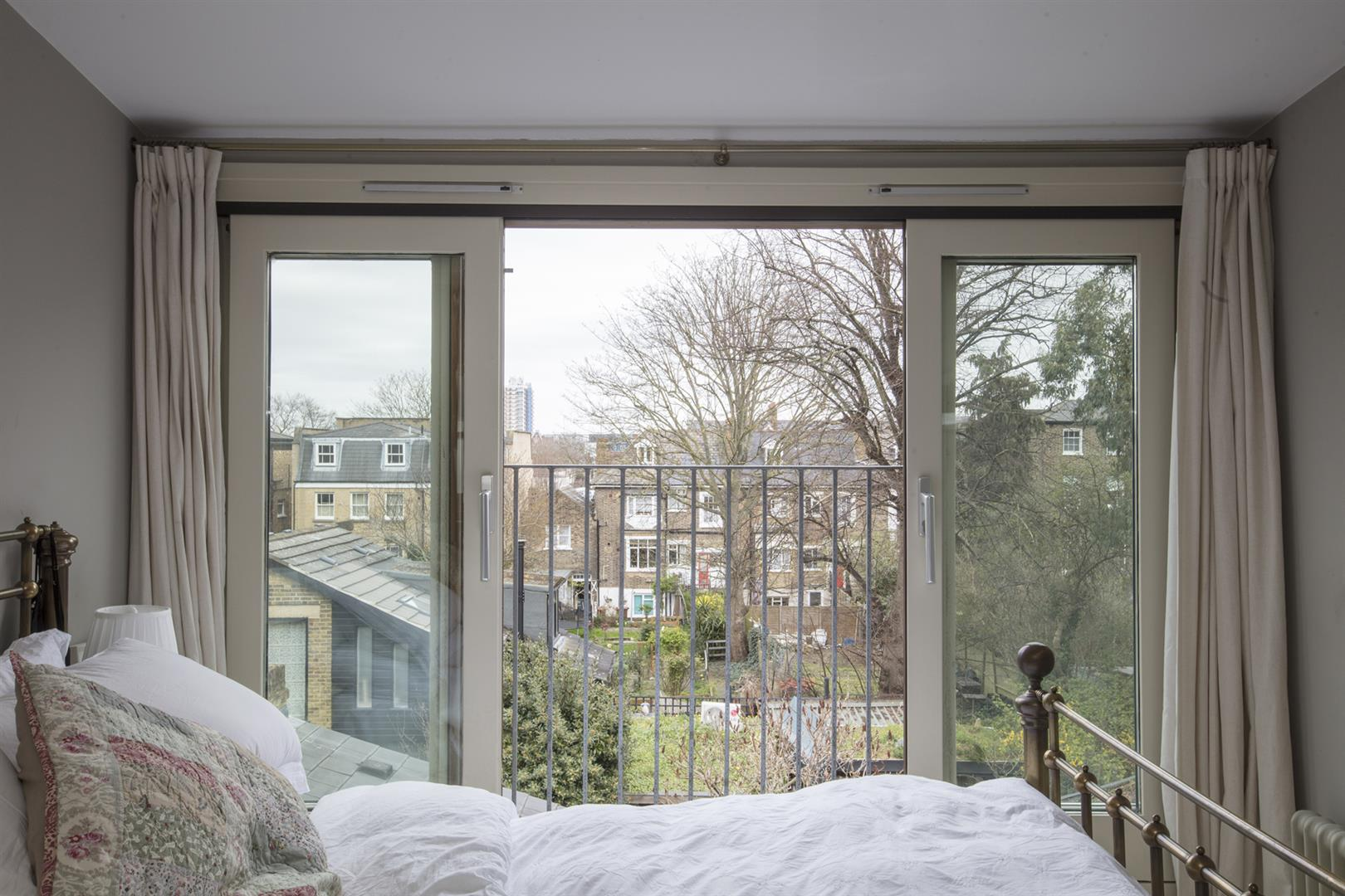 House - Terraced For Sale in Denman Road, Peckham, SE15 630 view11