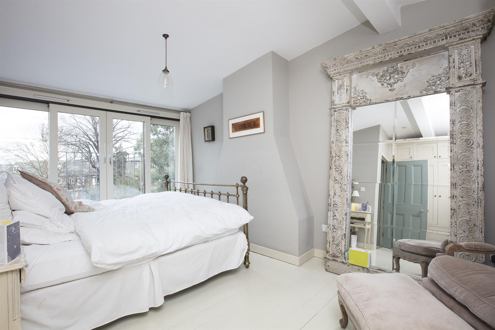 House - Terraced For Sale in Denman Road, Peckham, SE15 630 view9