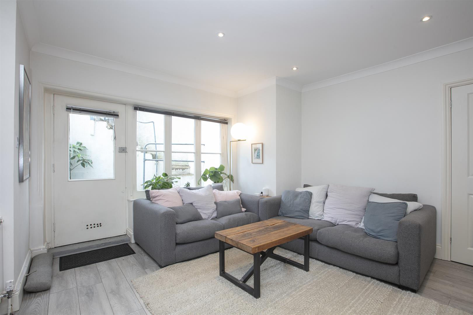 Flat - Conversion Sale Agreed in Denmark Hill, Camberwell, SE5 686 view5