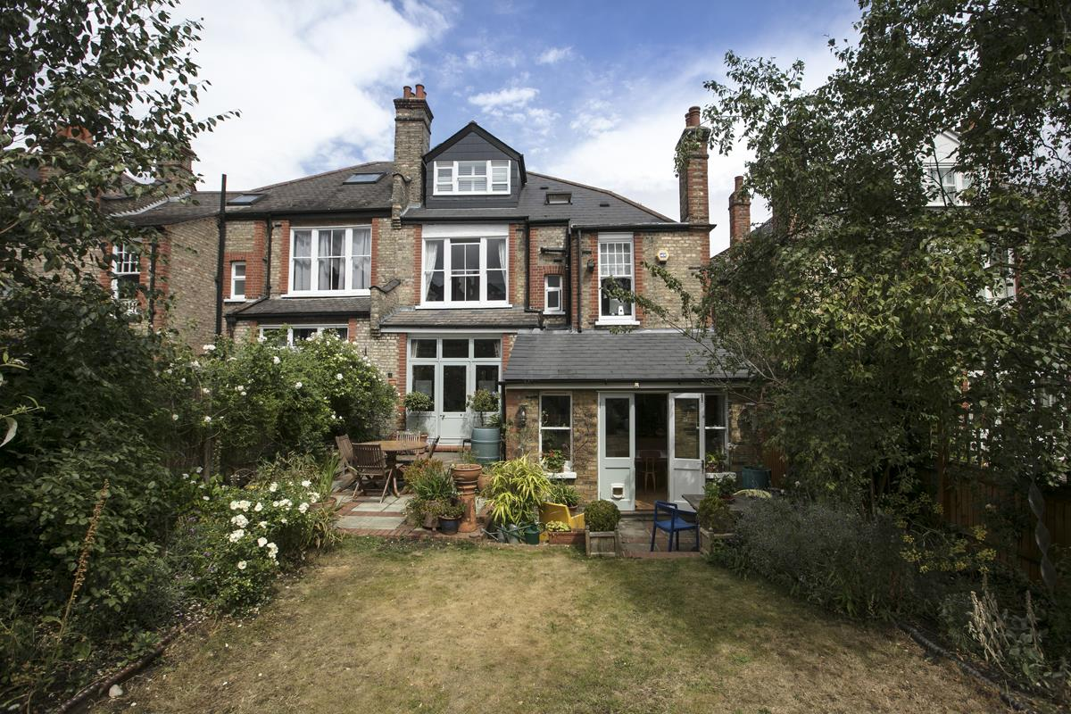 House - Semi-Detached For Sale in Earlsthorpe Road, Sydenham, SE26 367 view2