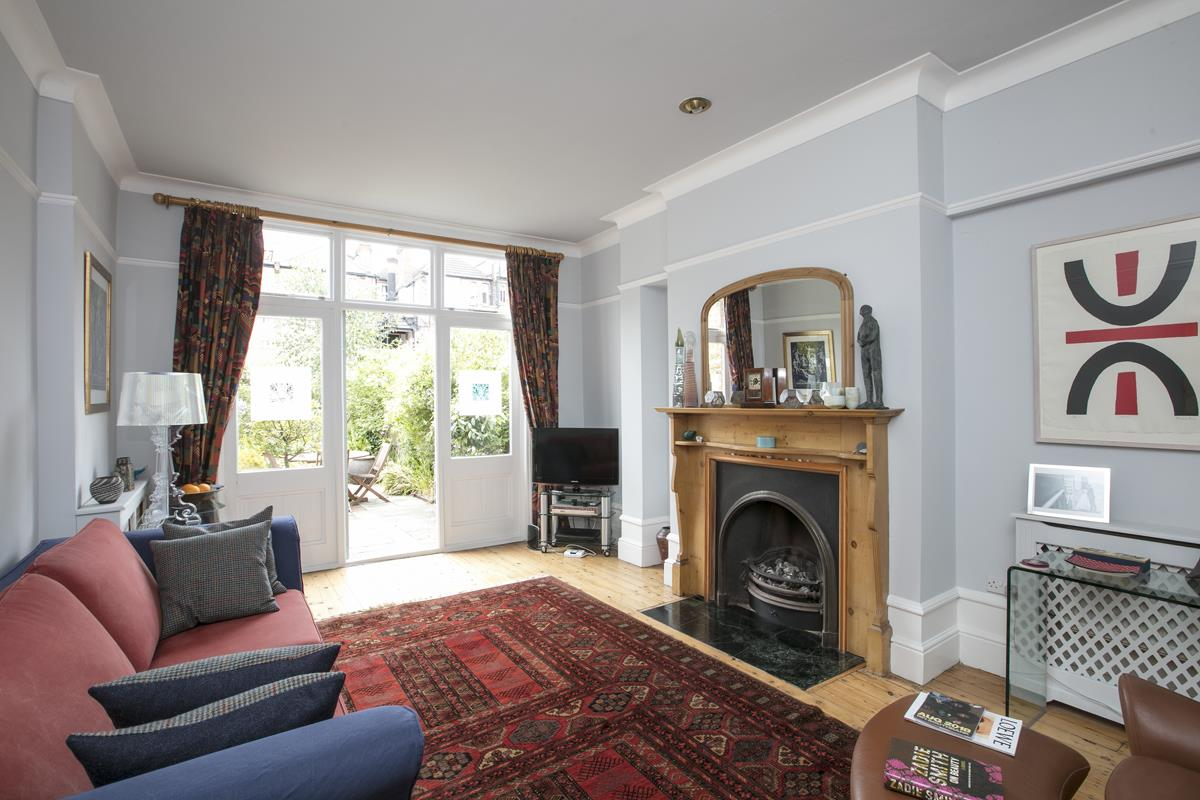 House - Semi-Detached For Sale in Earlsthorpe Road, Sydenham, SE26 367 view3