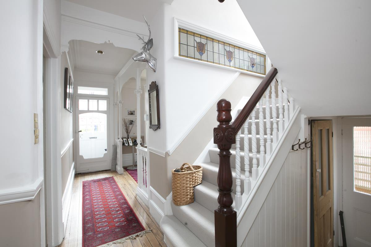 House - Semi-Detached For Sale in Earlsthorpe Road, Sydenham, SE26 367 view4