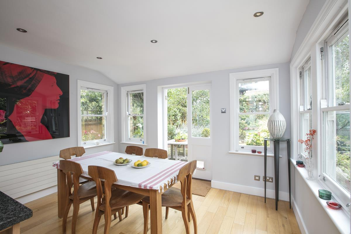 House - Semi-Detached For Sale in Earlsthorpe Road, Sydenham, SE26 367 view8